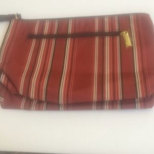 Ladies Estée Lauder makeup pouch